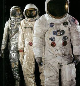 booksreddit.com:Spacesuits: The Smithsonian National Air and Space Museum Collection